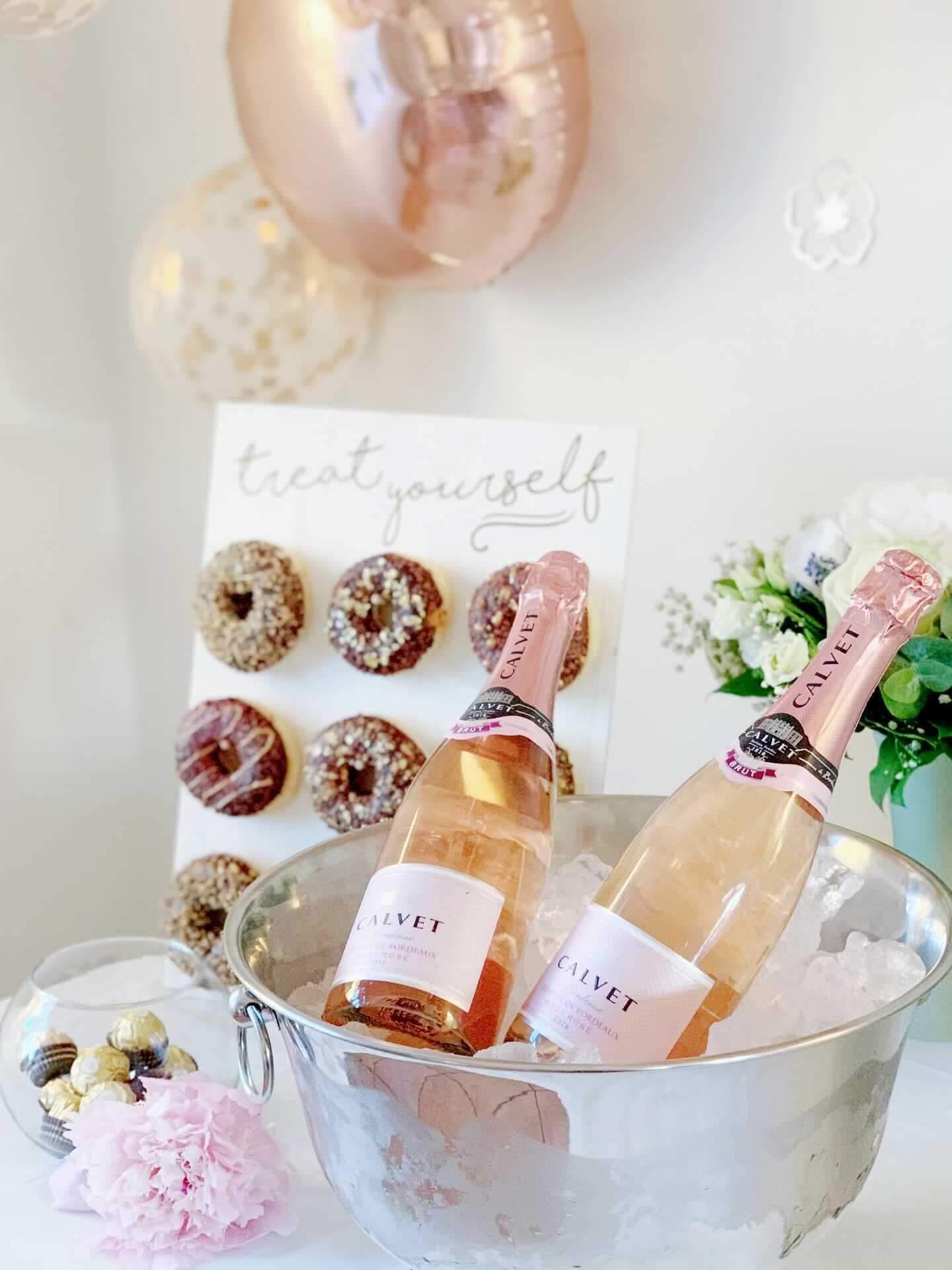 Champagne bowl og donuts_detvier